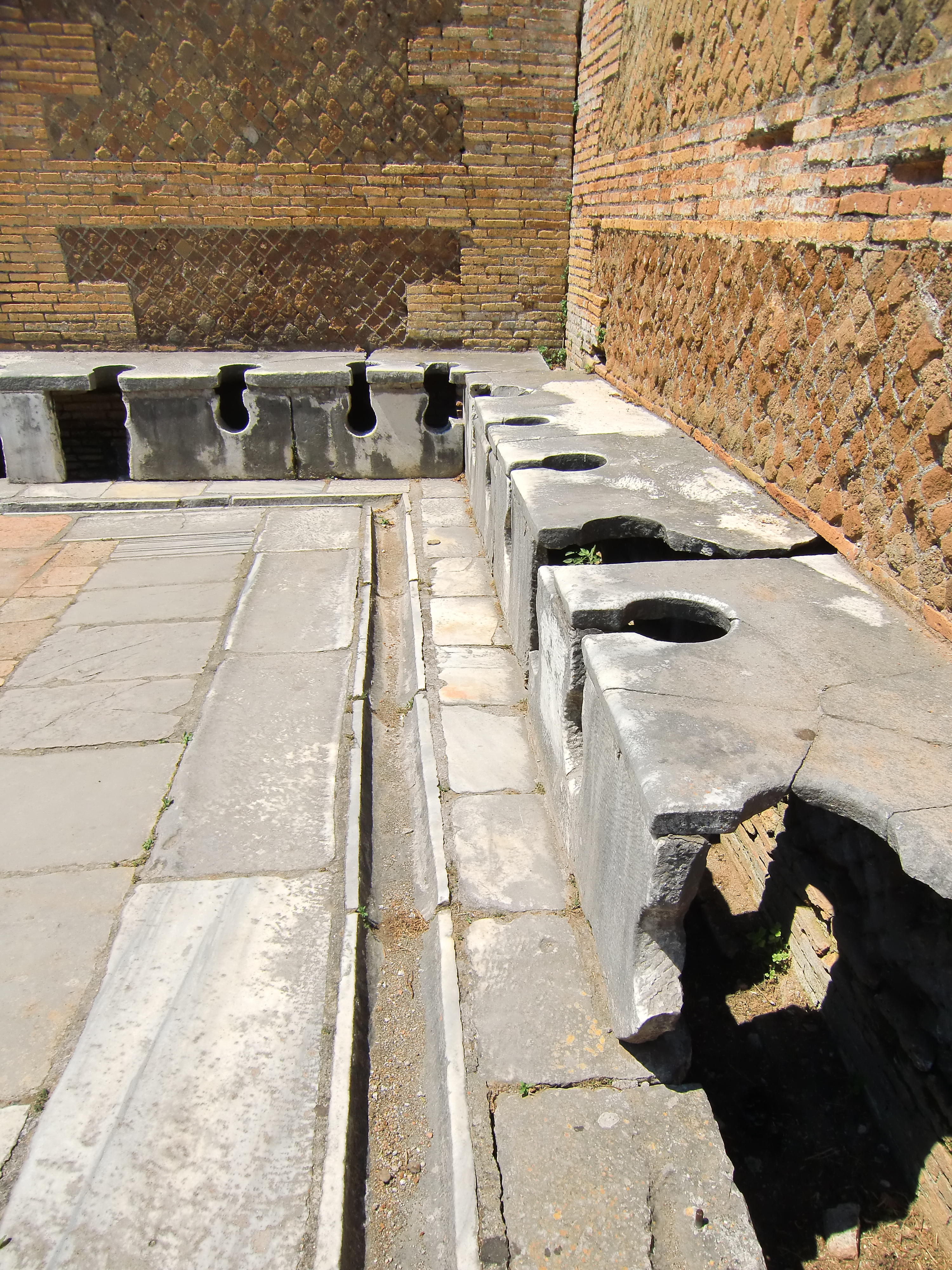 Public Restrooms In The Ancient Roman World Visiting Ancients Np Nd Web 22 Sept 2014